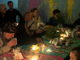 Рождественский обед для бездомных и малоимущих