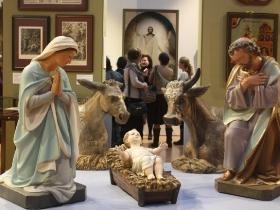 Неслышащие посетили выставку